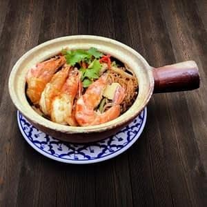 Thai Food Delivery Kuala Lumpur Stir Fried Prawn with Glass Noodle In Claypot-min